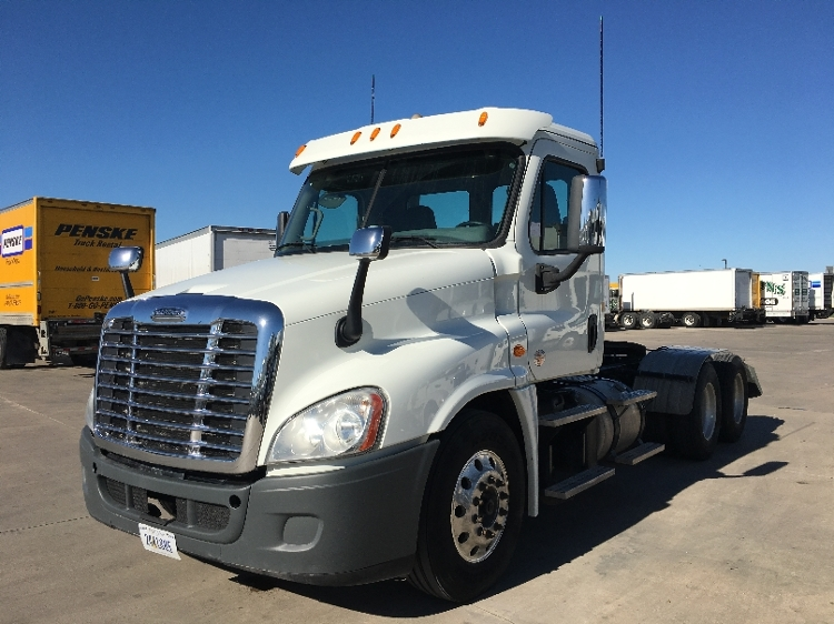 Day Cab Tractor-Heavy Duty Tractors-Freightliner-2015-Cascadia 12564ST-FORT WORTH-TX-519,893 miles-$56,000
