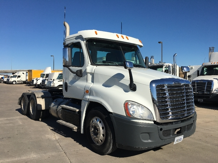 Day Cab Tractor-Heavy Duty Tractors-Freightliner-2015-Cascadia 12564ST-FORT WORTH-TX-483,688 miles-$59,000
