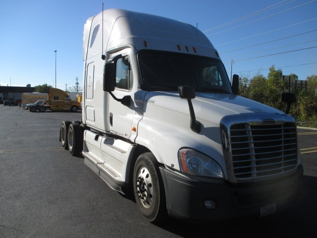 Sleeper Tractor-Heavy Duty Tractors-Freightliner-2012-Cascadia 12564ST-MORRISTOWN-TN-514,507 miles-$35,000